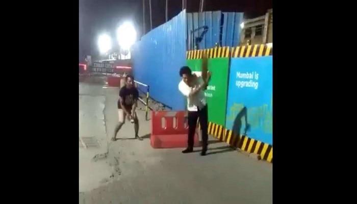 వీడియో: ముంబైలో గల్లీ క్రికెట్ ఆడిన సచిన్