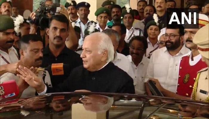 Kerala Governor reads Anit CAA Para as Cm wish : సీఎం సంతృప్తి కోసమే చదువుతున్నా...