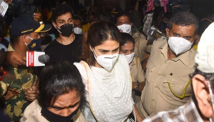 Rhea Chakraborty: సుశాంత్ గాళ్ఫ్రెండ్ కాల్ డేటాలో రానా, రకుల్, అమీర్ ఖాన్ పేర్లు