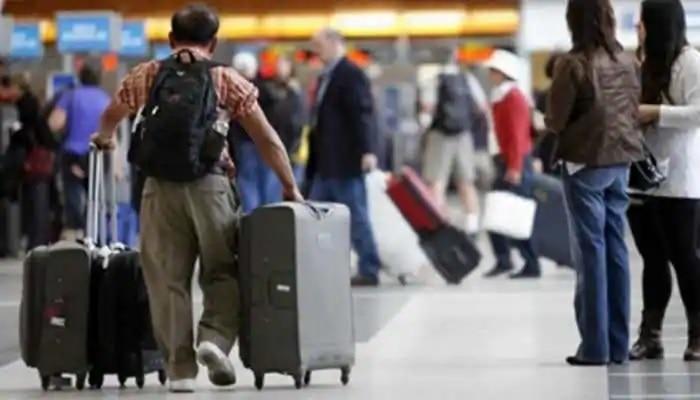 Less luggage less price: కేవలం కేబిన్ లగేజ్ మాత్రమే ఉందా..అయితే టిక్కెట్ ధర తగ్గుతుంది మీకు