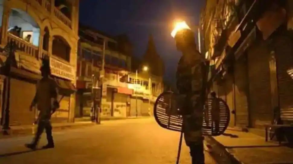 Night Curfew: తెలంగాణలో నైట్ కర్ఫ్యూ, నేటి రాత్రి నుంచి నెలాఖరు వరకు కొనసాగింపు