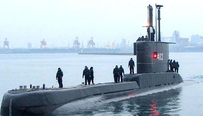 A submarine missing with 53 members board, indonesia seeking help to trace |  Submarine missing: Submarine capsizes in Indonesian waters, what happened to 53 crew