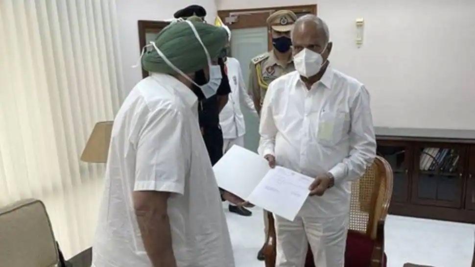 Breaking News: ముఖ్యమంత్రి పదవికి రాజీనామా చేసిన అమరిందర్ సింగ్