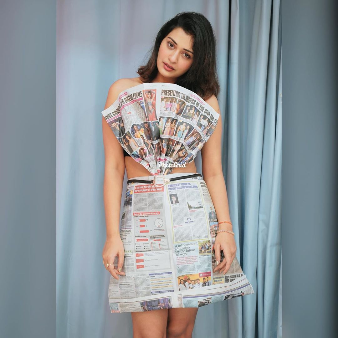 Actress-Payal-Rajput-in-paper-cut-outfits