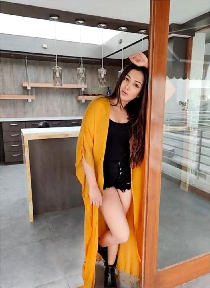 Actress Catherine Tresa Hot Photos