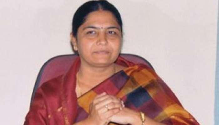 మాజీ మంత్రి సునితా లక్ష్మారెడ్డి అరెస్ట్