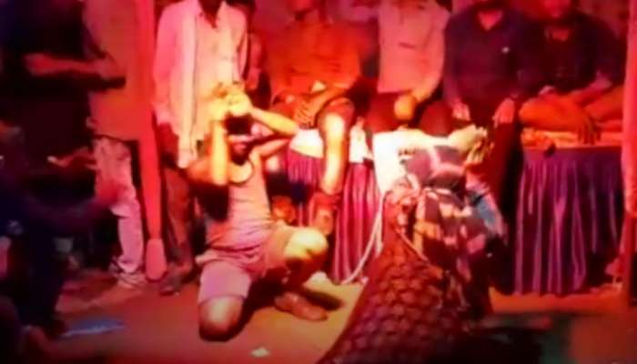 గణపతి నిమజ్జనం ర్యాలీలో నాగిని డ్యాన్స్ చేస్తూ భక్తుడి మృతి