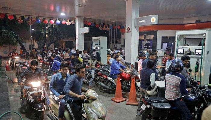 Petrol prices: వాహనదారులకు బ్యాడ్ న్యూస్.. మళ్లీ పెరగనున్న పెట్రోల్, డీజిల్ ధరలు