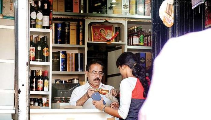 Wine Shops: తెలంగాణలో వైన్ షాపులపై ఆంక్షలు తొలగింపు