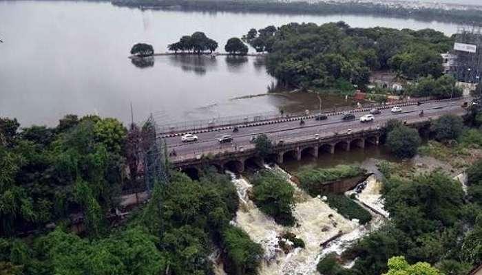 Hussain Sagar Water Level: పూర్తిగా నిండిన హుస్సేన్ సాగర్.. భారీగా నీటి విడుదల
