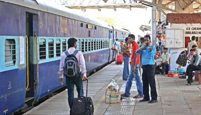 Special Trains: విజయవాడ మీదుగా ప్రత్యేక రైళ్లు