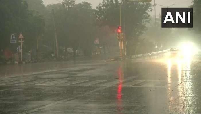 Heavy Rain In Delhi: దేశ రాజధానిని వణికిస్తున్న చలి, వర్షం