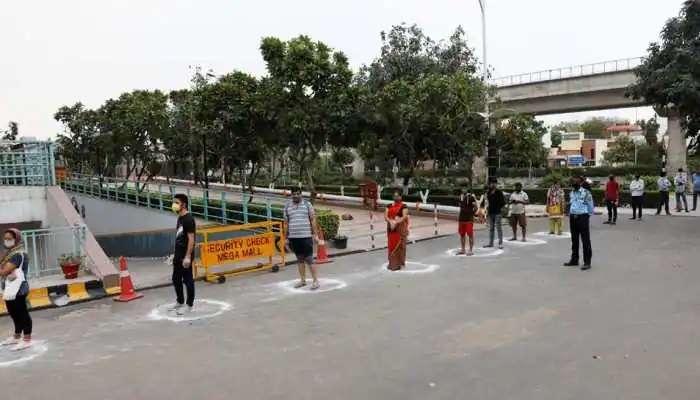 Covid-19 guidelines: బెంగళూరులో షాపింగ్ మాల్స్, సినిమా హాల్స్, పబ్స్కి కొవిడ్-19 మార్గదర్శకాలు
