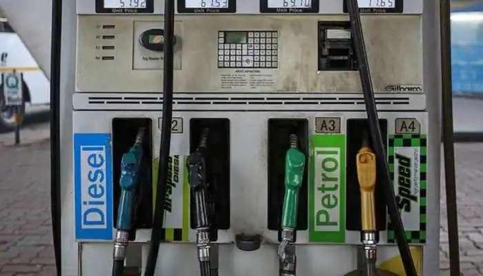 Fuel prices: త్వరలో పెట్రోల్, డీజిల్ ధరల్లో తగ్గుదల, సుంకం తగ్గించేందుకు సిద్ధమైన కేంద్రం