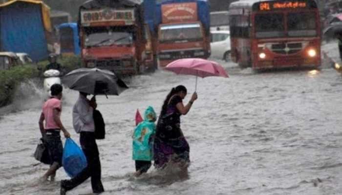 Heavy rains: రాగల మూడు రోజులు వర్షాలు.. రేపు భారీ వర్షాలు