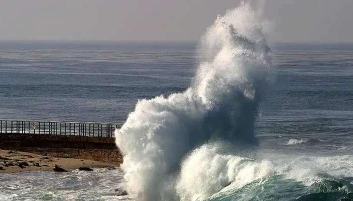 Gulab Cyclone: ఉత్తరాంధ్ర వైపుకు దూసుకొస్తున్న గులాబ్ తుపాను, అతి భారీ వర్షాల హెచ్చరిక