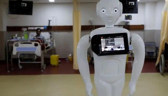 Mitra Robot: కరోనాకాలంలో కోవిడ్-19 పేషెంట్ల సేవలో మిత్రా రోబో ప్రత్యేక పాత్ర